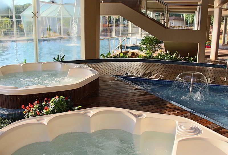 banheiras-spa-vista-piscina