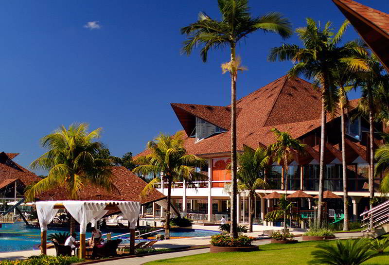 grande-fachada-resort-piscina