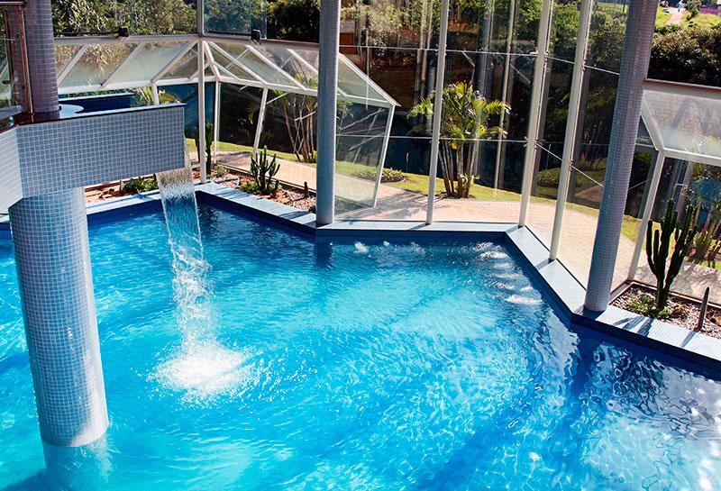 piscina-interna-detalhes
